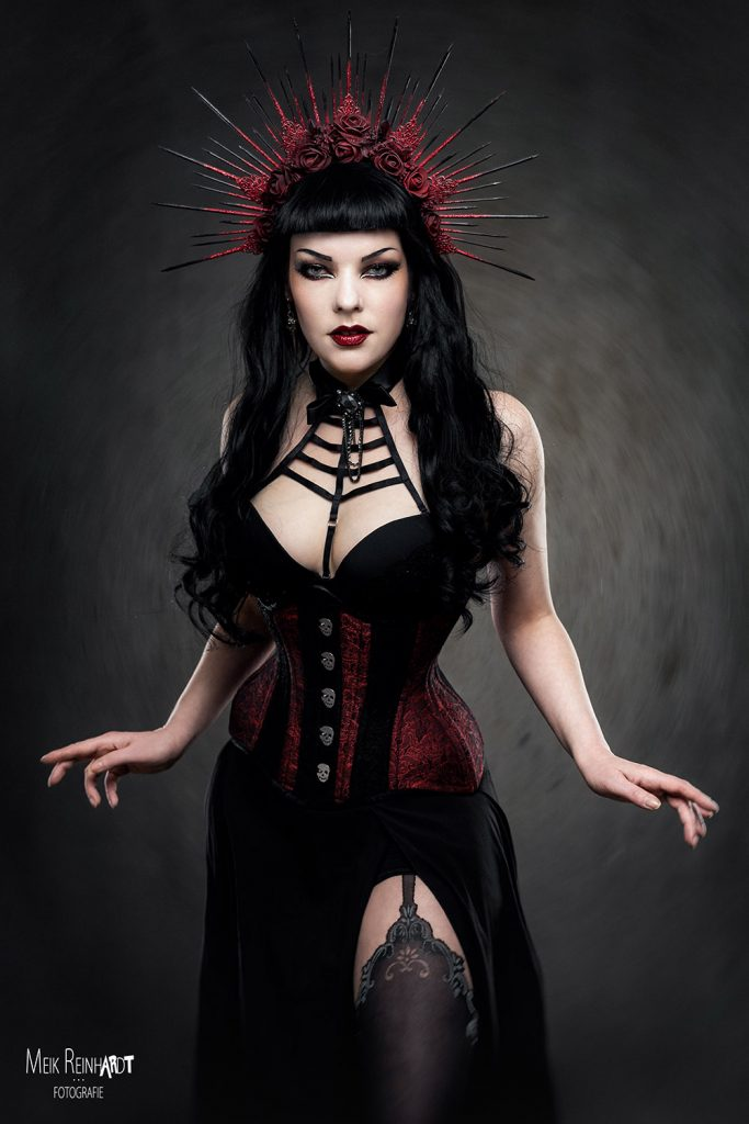 Gatto Nero Katzenkunst Nu ROmantic Goth Look World Gothic Models