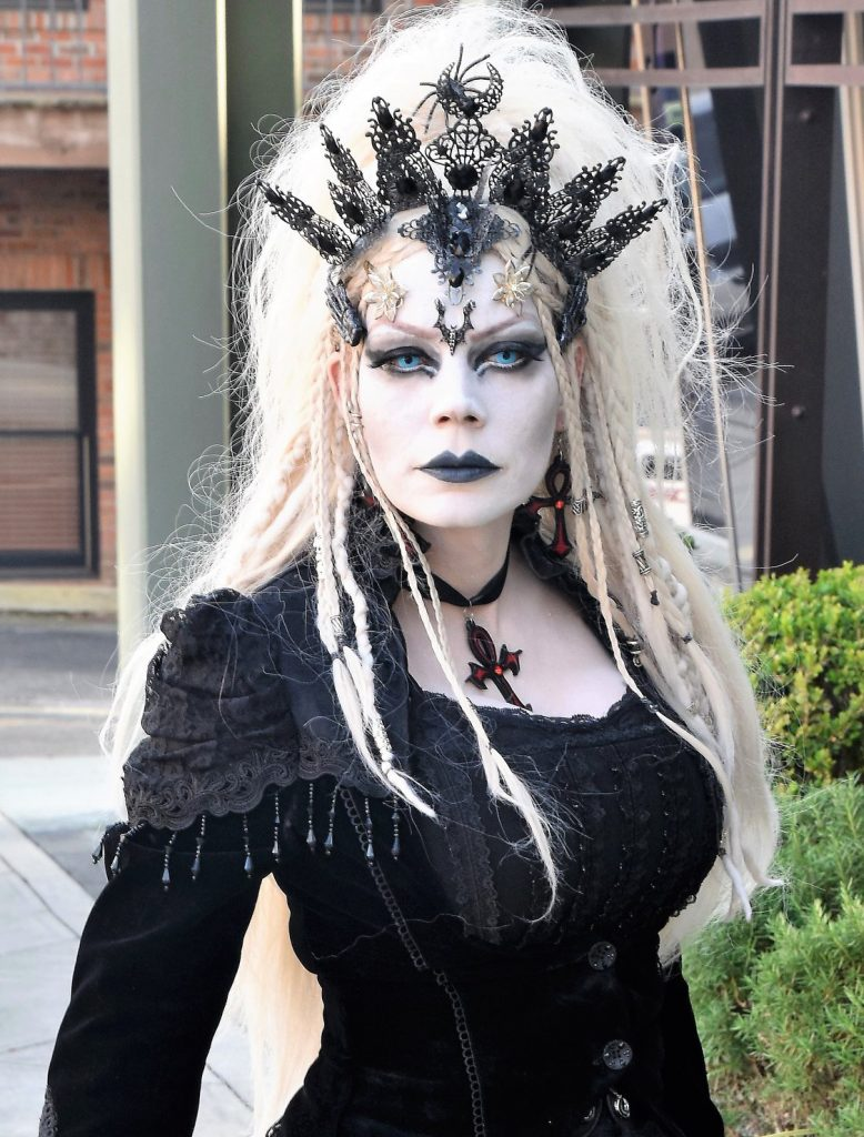 alexandira gothe plamendura art world gothic models