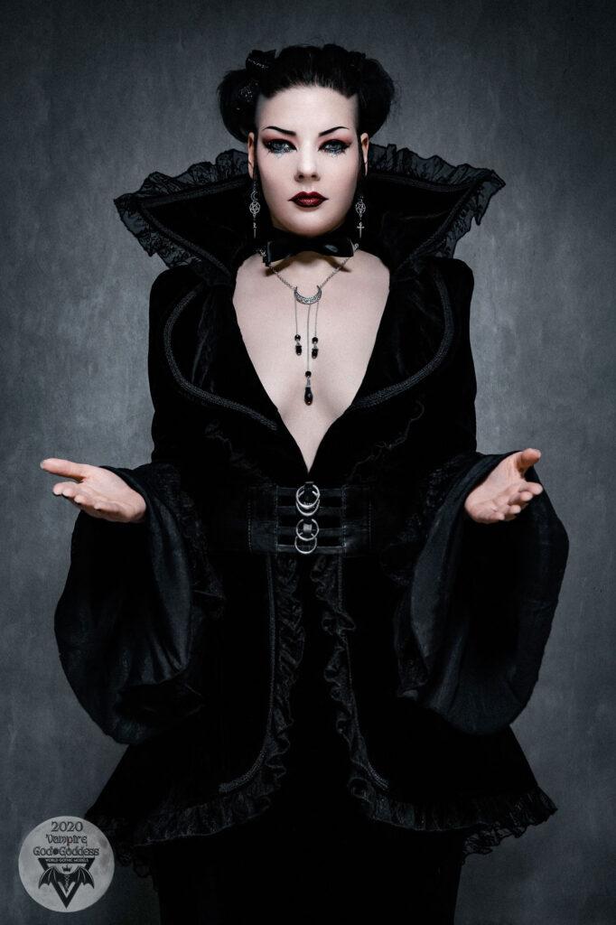 Gatto-Nero-Katzenkunst-No1-Winner-Vampire-God-Goddess-2020-world-gothic-models